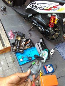 Ahli kunci motor